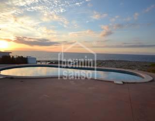 Apartamento en planta baja con vistas al mar en Los Delfines
