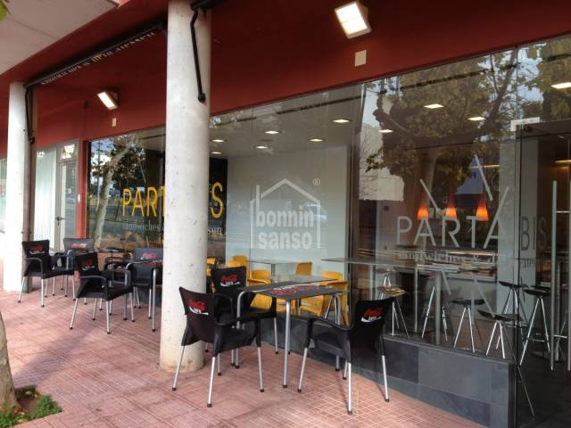 Vivienda/Locales/Bar/restaurante en Mahon (Ciudad)