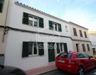 Casa adosada con gran potencial en Es Castell