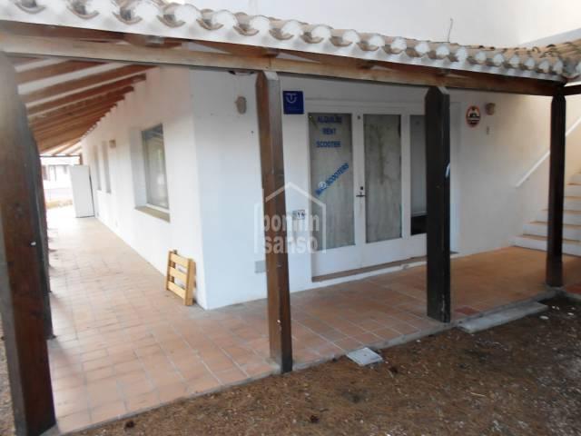 Local comercial en el centro comercial de Addaia, Menorca