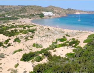 Finca rustica que linda con el mar en Cala Tirant, Menorca