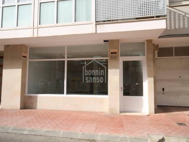 Local comercial en Mahón, zona Avenida Menorca.