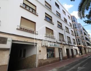 Piso 1º de 3 dormitorios en calle Pintor Calbo de Mahon