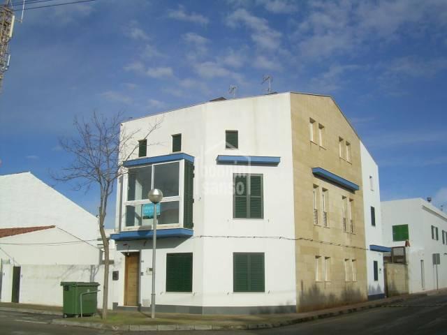Casa tres plantas en San Clemente
