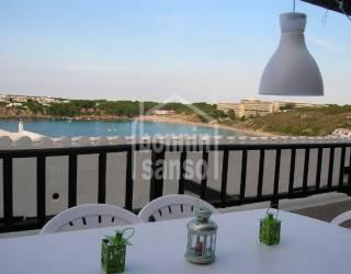 Espacioso apartamento con vistas al mar en Menorca