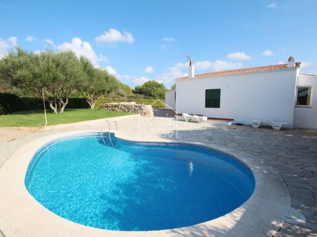 Chalet de 3 habitaciones con piscina en Canutells
