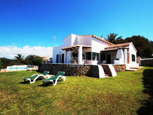 Bonita casa con vistas al mar
