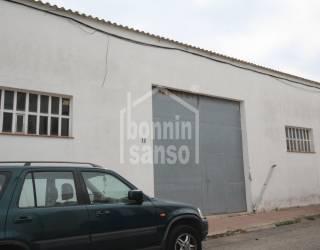 Nave industrial en Es Castell