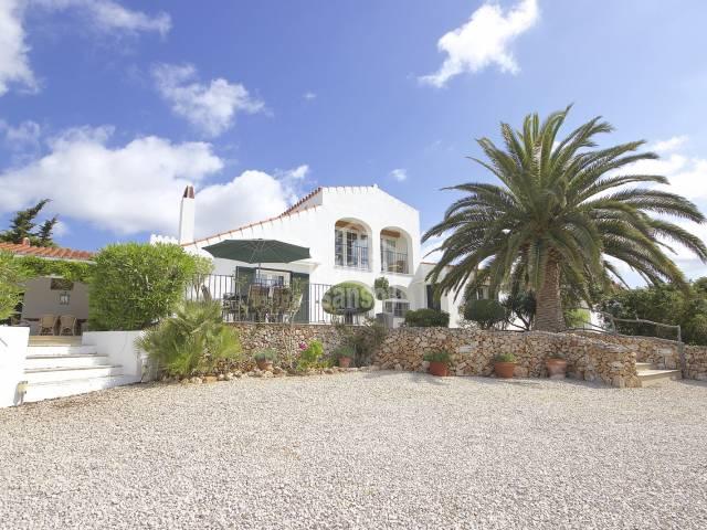 Maravillosa casa de campo con vistas lejanas al mar