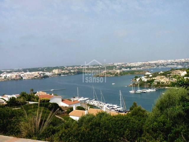 Villa con vistas panoramicas sobre el Puerto de Mahon