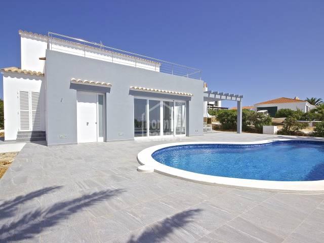 Villa de alto standing calidad y excelentes vistas al mar