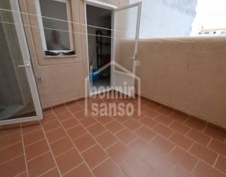 Piso en primera planta en barrio residencial de Ciutadella