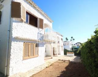 Complejo de 4 apartamentos en la Costa Sur de Menorca