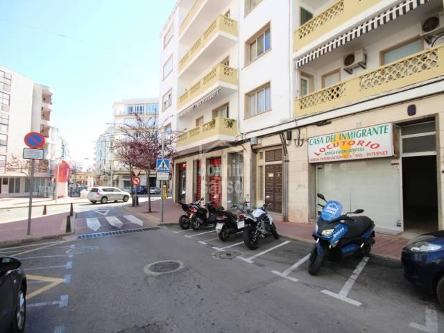 Local comercial en zona residencial de Mahón