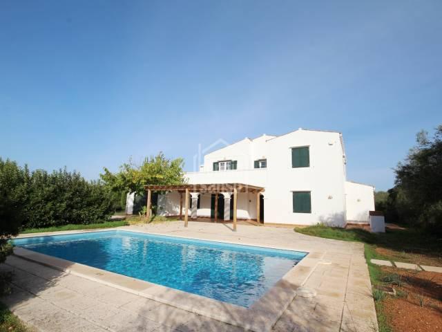 Moderna casa de campo próxima a costa Sur de Menorca
