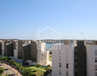 Moderno ático tipo duplex de 4 dormitorios en Mahón
