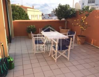 Moderno apartamento de 2 dormitorios en Mahón