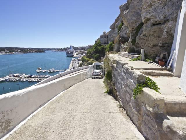 Finca con maravillosas vistas sobre el Puerto de Mahón