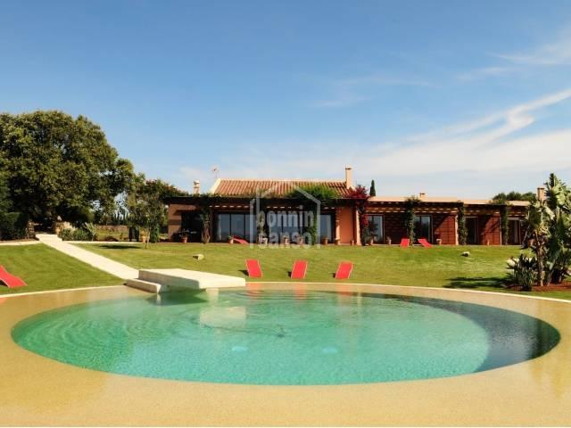 Gran casa de lujo cerca de Mahon con vistas al campo