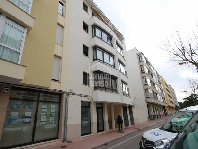 Moderno apartamento en zona Avenida Menorca