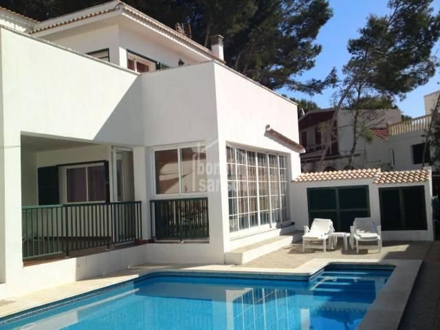Oportunidad de comprar un chalet con piscina en Macaret