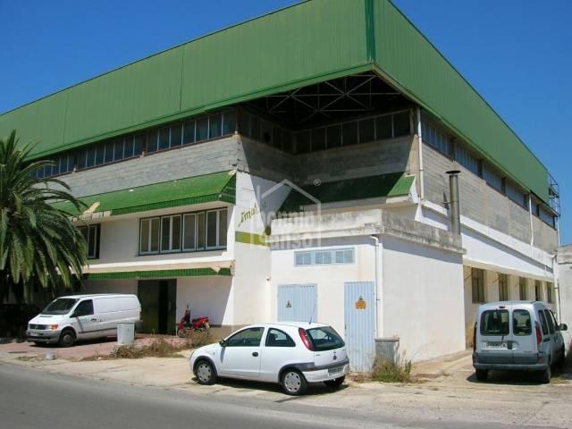 Local en Mahon Poligono