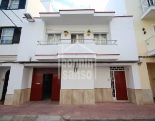 Casa entera con garaje en Mahón