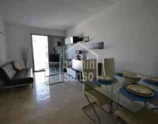Nuevo primer piso con piscina comunitaria en Ciutadella