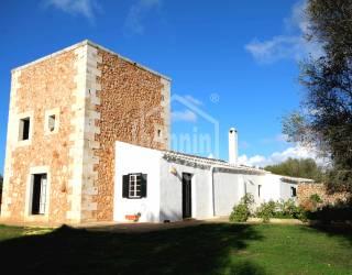 Fachada - Cautivadora finca rustica con vistas lejanas al mar Menorca