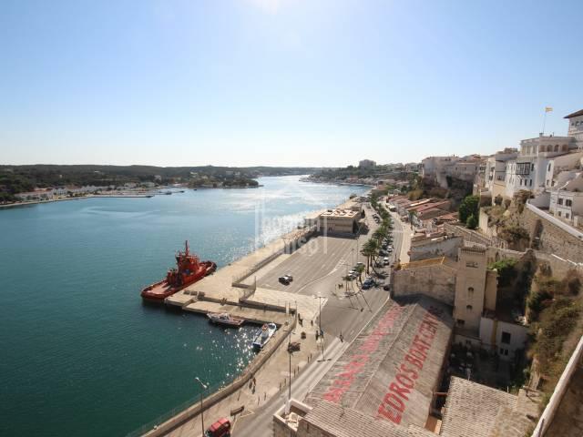 Majestuosa casa con vistas al puerto de Mahón