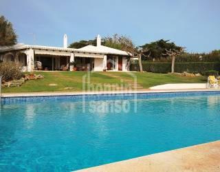 Piscina - Casa Menorquina con vistas panoramicas del mar en Binibeca
