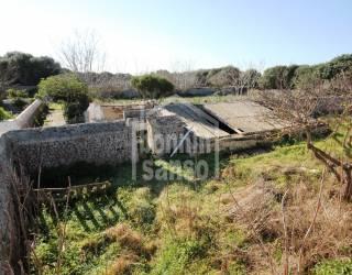 Suelo rústico con boyeras en ruinas, Binisaida, Menorca