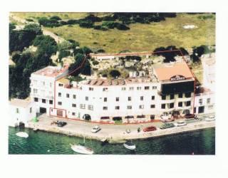 Edificio en primera línea del Puerto de Mahon