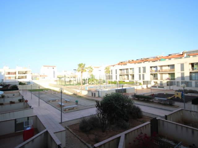 First floor apartment with communal swimming pool in Ciutadella