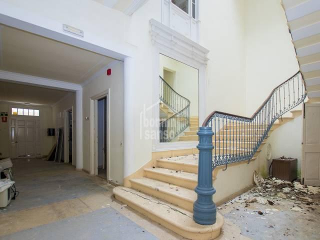 Impressive house in the center of Mahon, Menorca