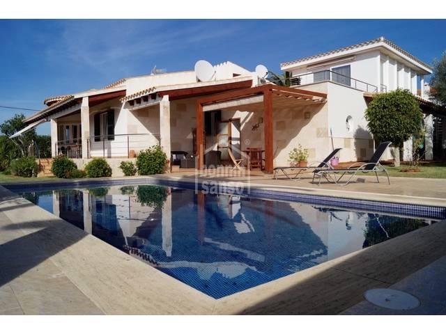 Excepcional chalet en la zona residencial de Sa Caleta, Ciutadella, Menorca