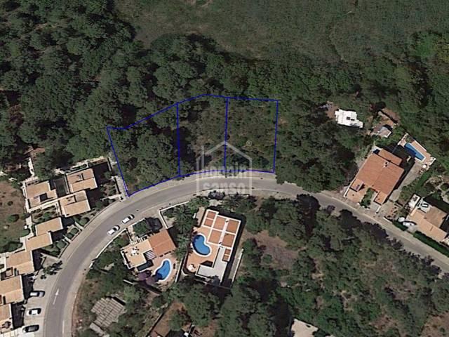 Conjunto de tres solares edificables en Addaya, Menorca