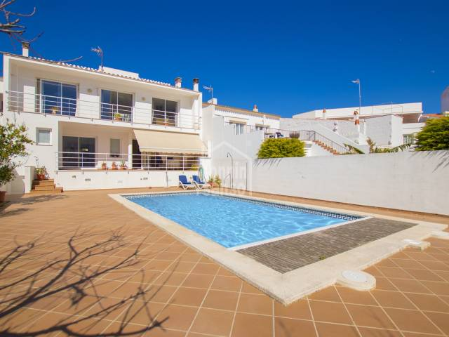 Imposing house with swimming pool in the centre of Mahón, Menorca.