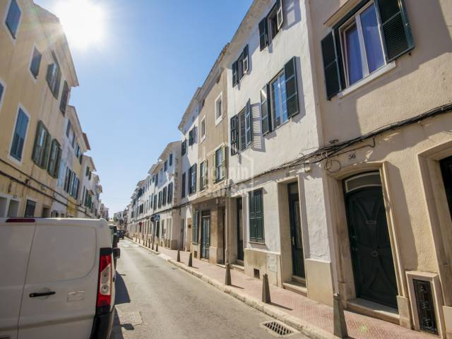 Impressive town house in the centre of Mahon, Menorca
