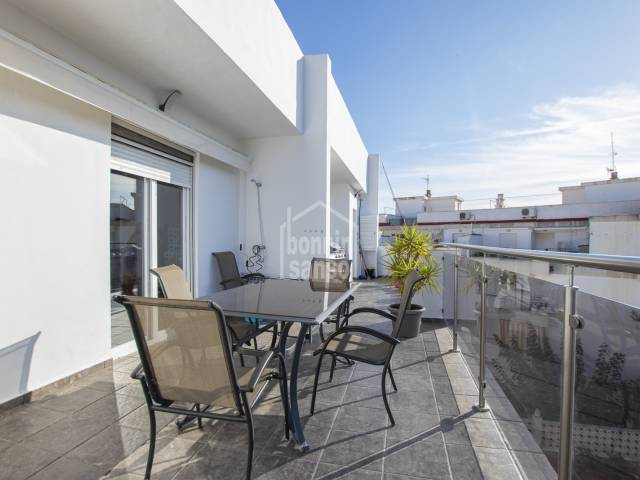 Stunning third floor flat in centre of Mahon, Menorca