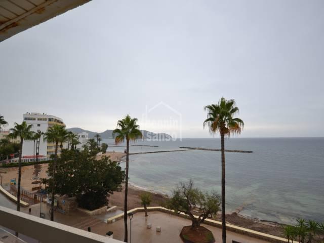 Apartamento con vistas mar, Cala Bona, Mallorca