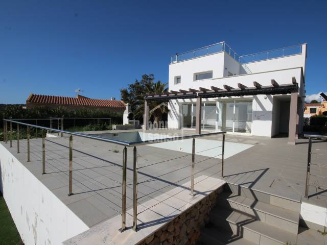 Fantastic villa with excellent sea views in Torre Soli, Menorca.