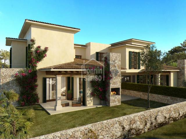 ew build in quiet urbanization in Cala Bona and only 200 metres to the sea. Semi-detached of approx. 160m².