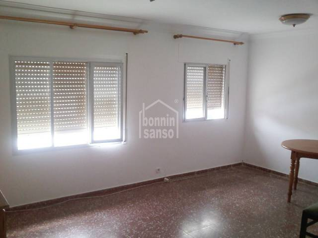 Apartment near the center of Mahon