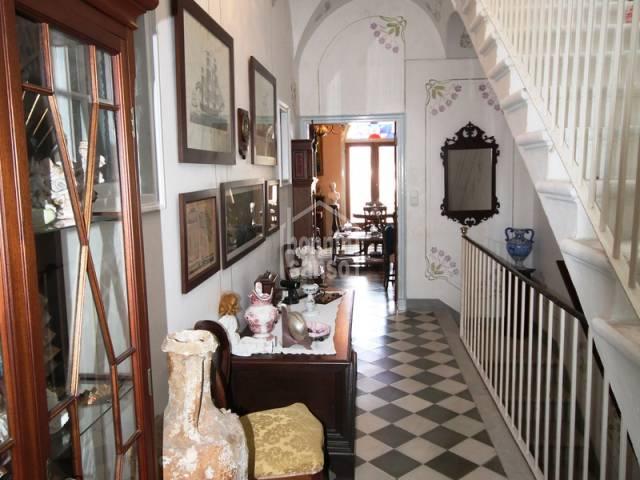 Casa en primera y segunda planta muy bien conservada en Mahon, Menorca