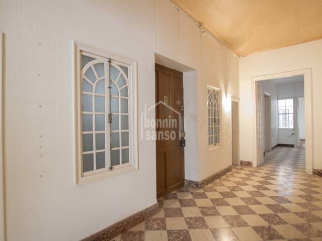 Elegant first floor apartment in the centre of Mahon, Menorca