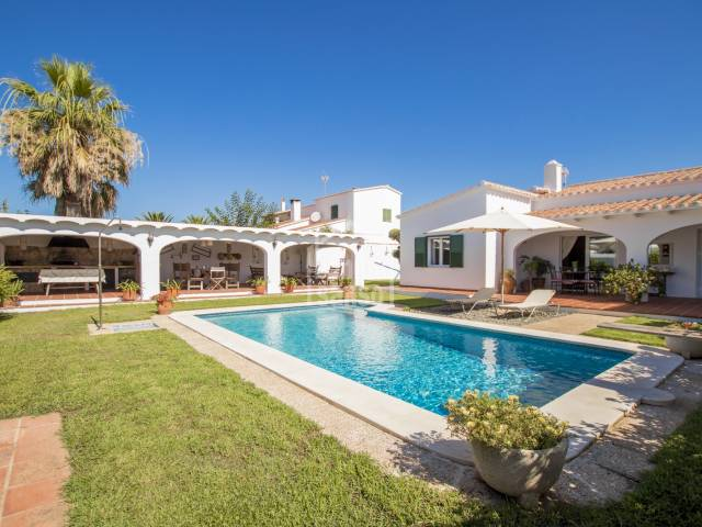 Charming property in the urbanization of Trebaluger, Menorca