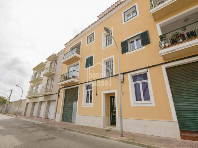 Spacious three bedroom apartment in Mahón, Menorca.