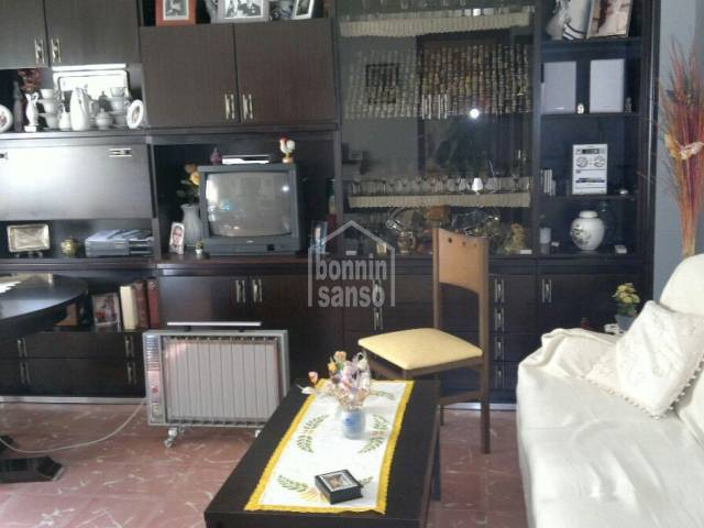 Second floor flat with garage in Mahon, Menorca