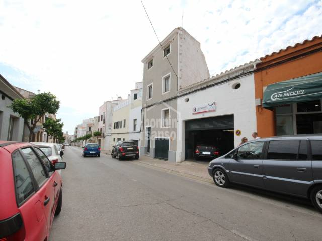 Large property with two independent garages and two homes. Mahon. Menorca